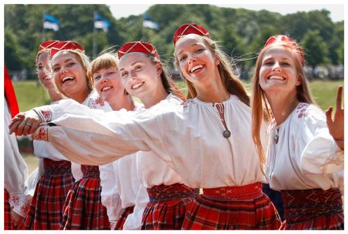 12-й молодежный праздник песни и танца