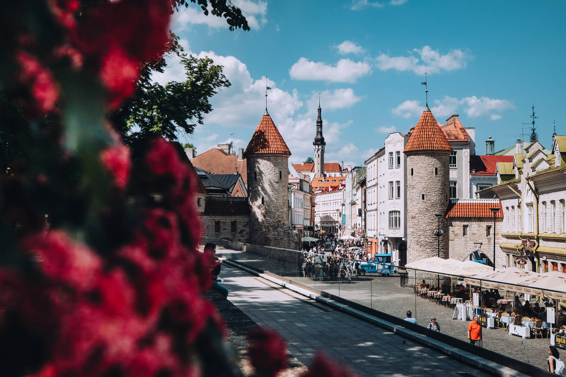 Summery Tallinn with the view of the Viru gates in the Old Town. Photo by: Kadi-Liis Koppel