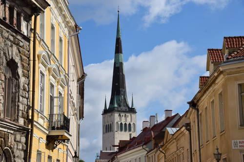 Yltäkylläinen arkkitehtuurikaupunki Tallinna