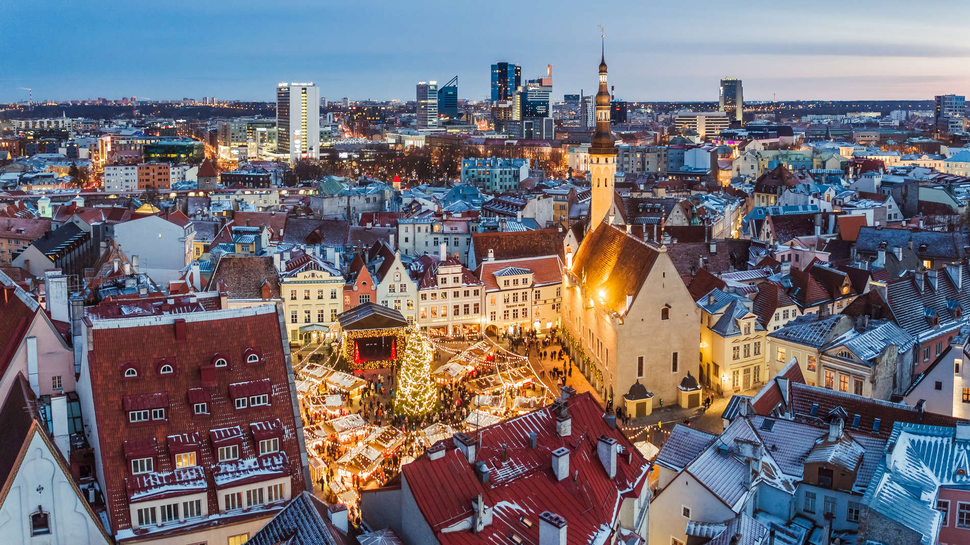 Christmas Market in Tallinn, Estonia. Photo by: Kaupo Kalda